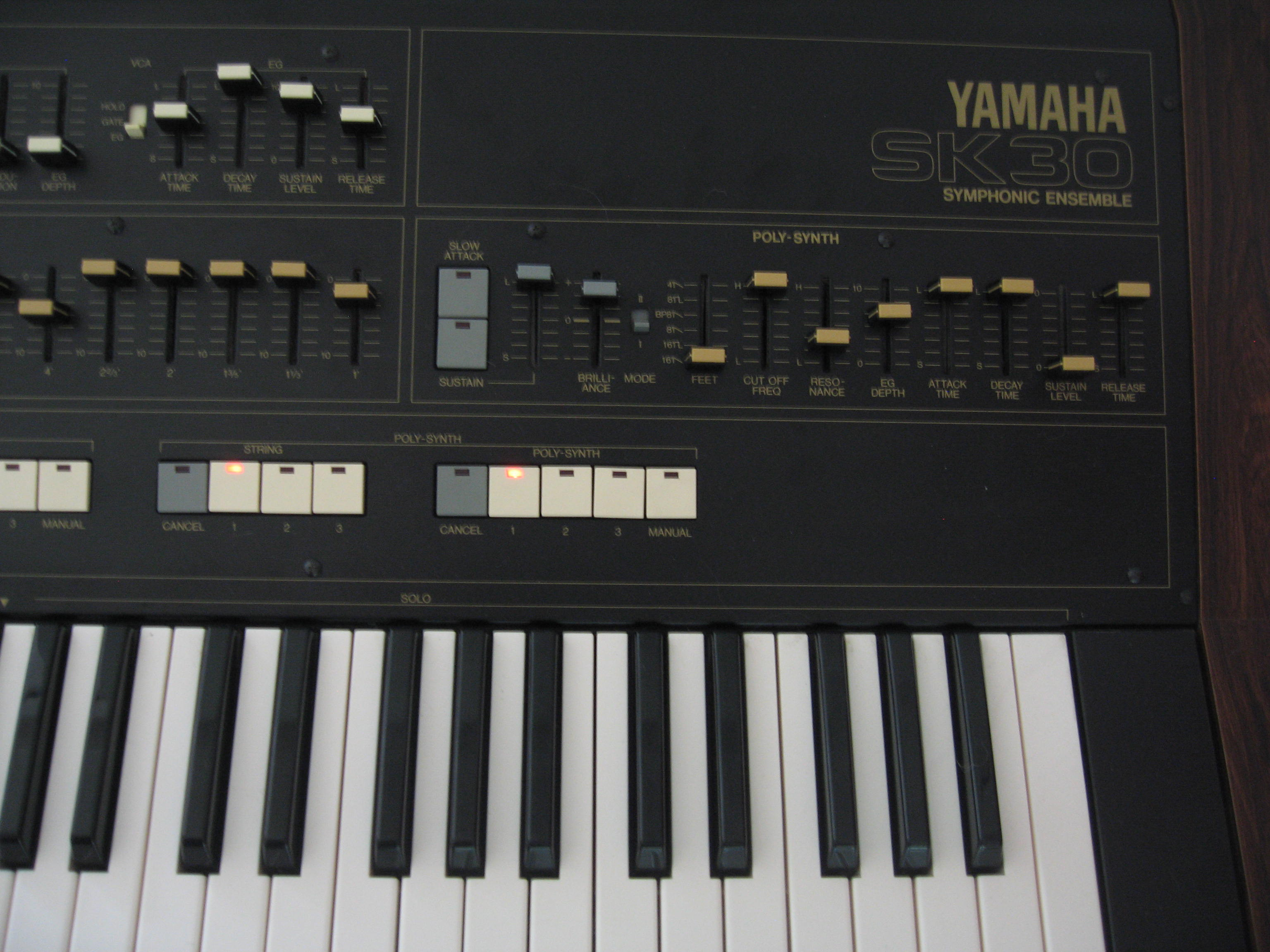 Instruments 1 vintage yamaha sk30 synthesizer organ for Classic house organ sound